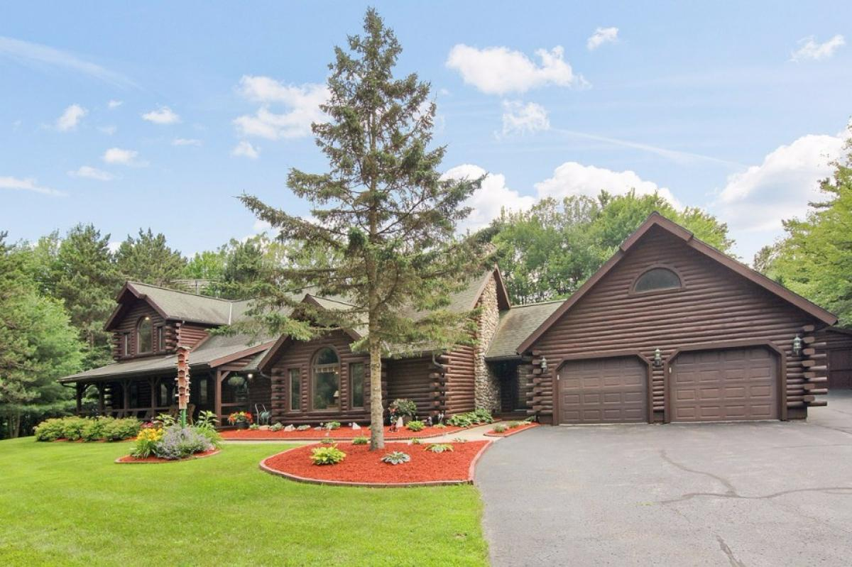 Property listed For Auction in Sobieski, Wisconsin, United States