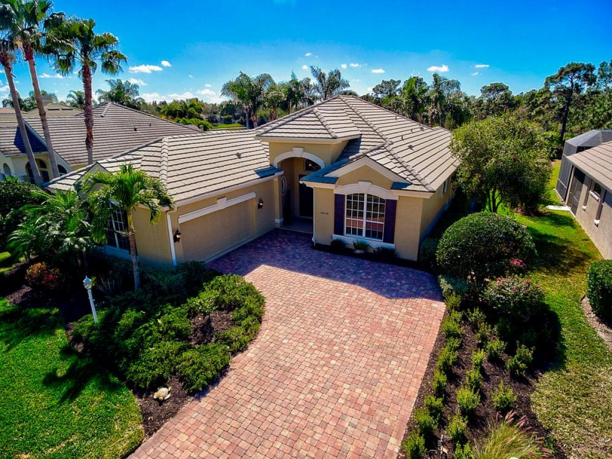 Property listed For Sale in Lakewood Ranch, Florida, United States