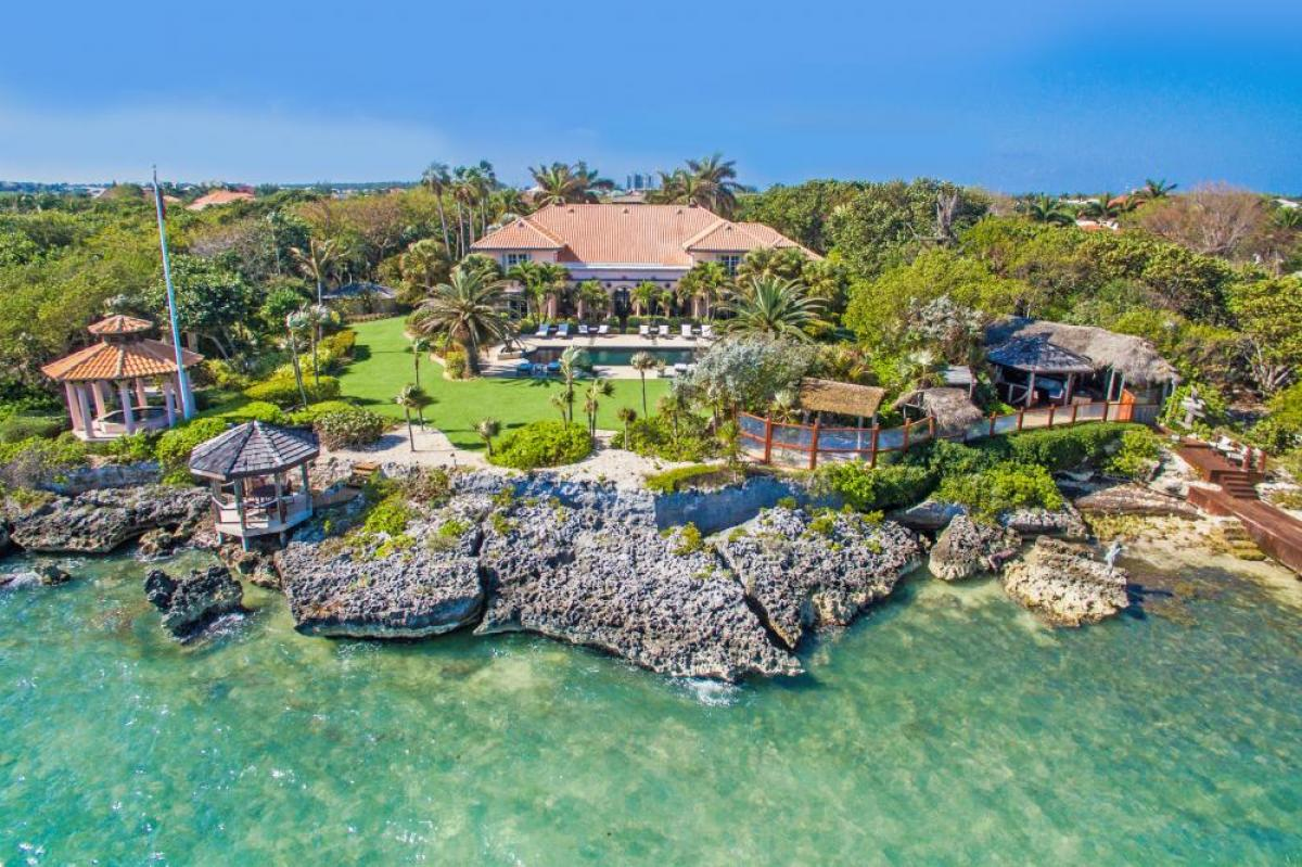Property listed For Sale in Grand Cayman, Cayman Islands