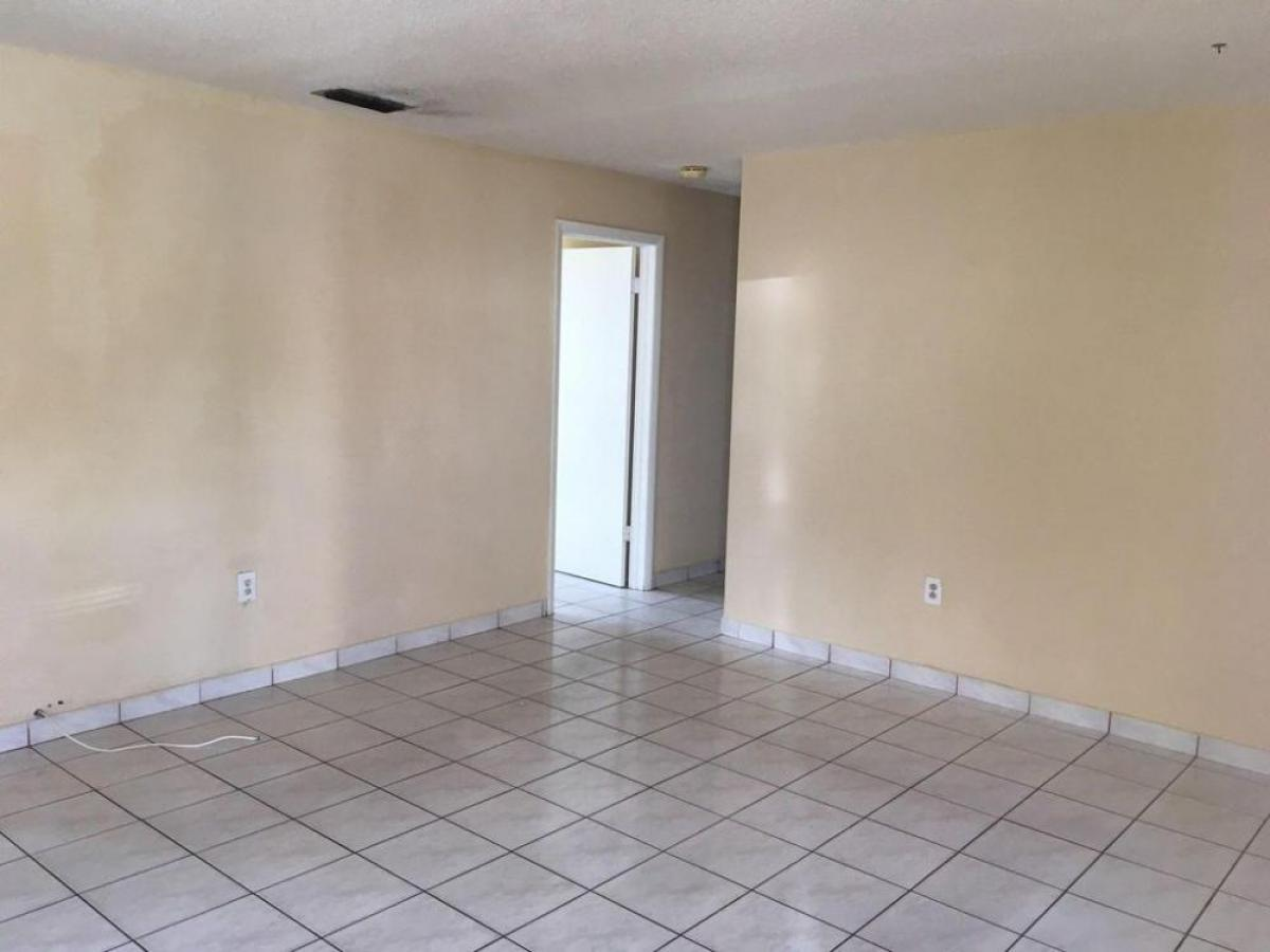 Property listed For Rent in Miami, Florida, United States