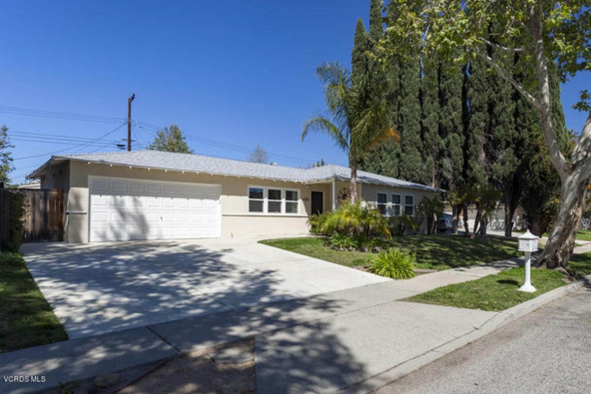 Property listed For Rent in Simi Valley, California, United States