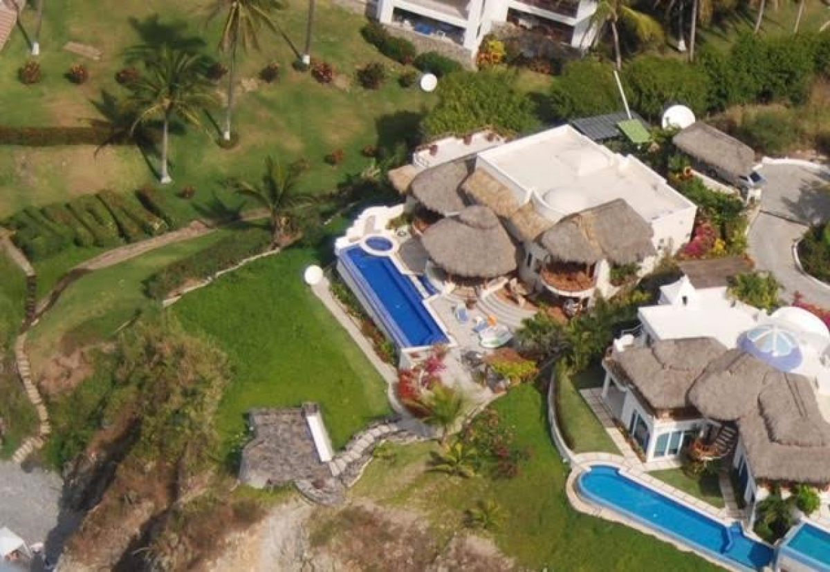 Property listed For Sale in Manzanillo, Mexico