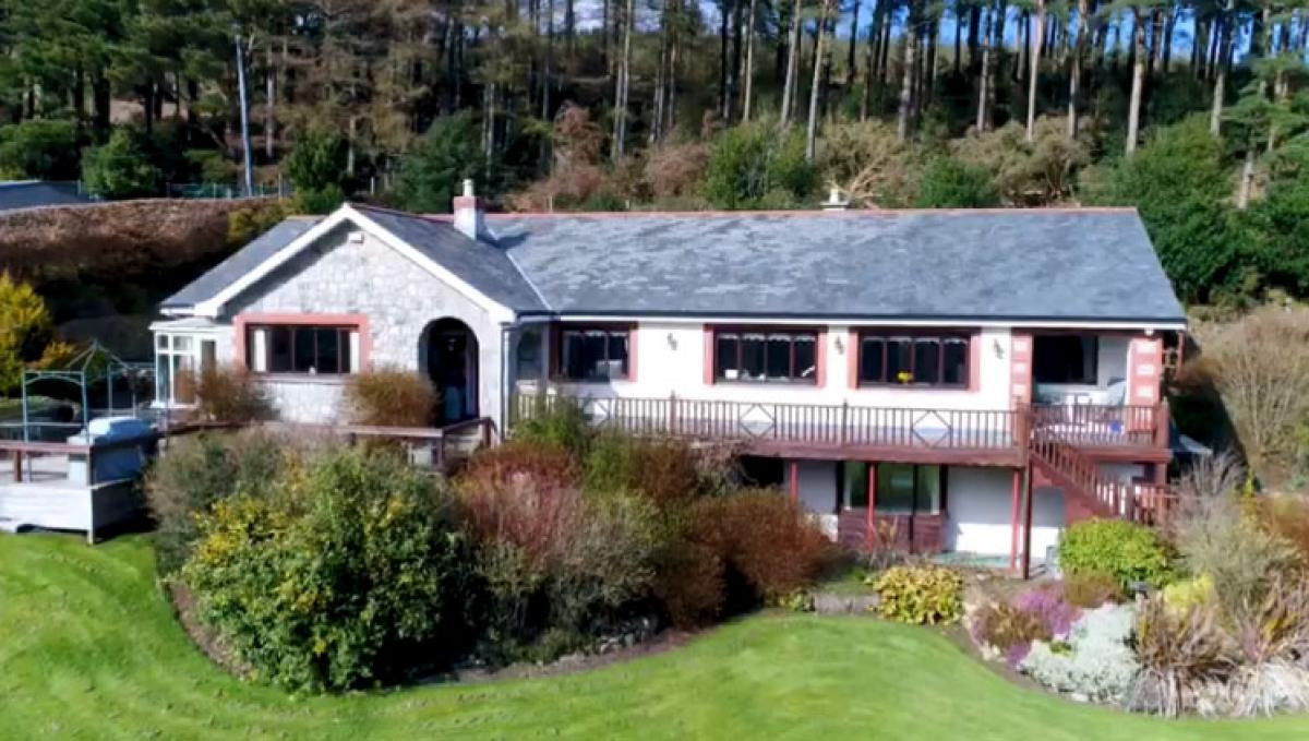 Property listed For Sale in Enniskerry, Ireland