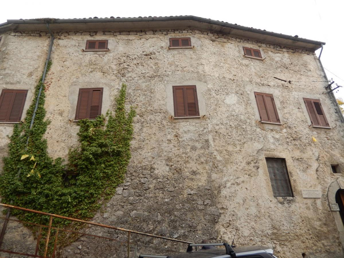 Property listed For Sale in L'Aquila, Italy