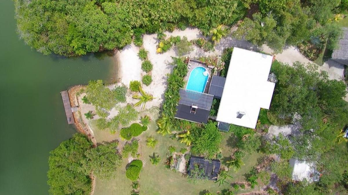 Property listed For Sale in Dangriga, Belize