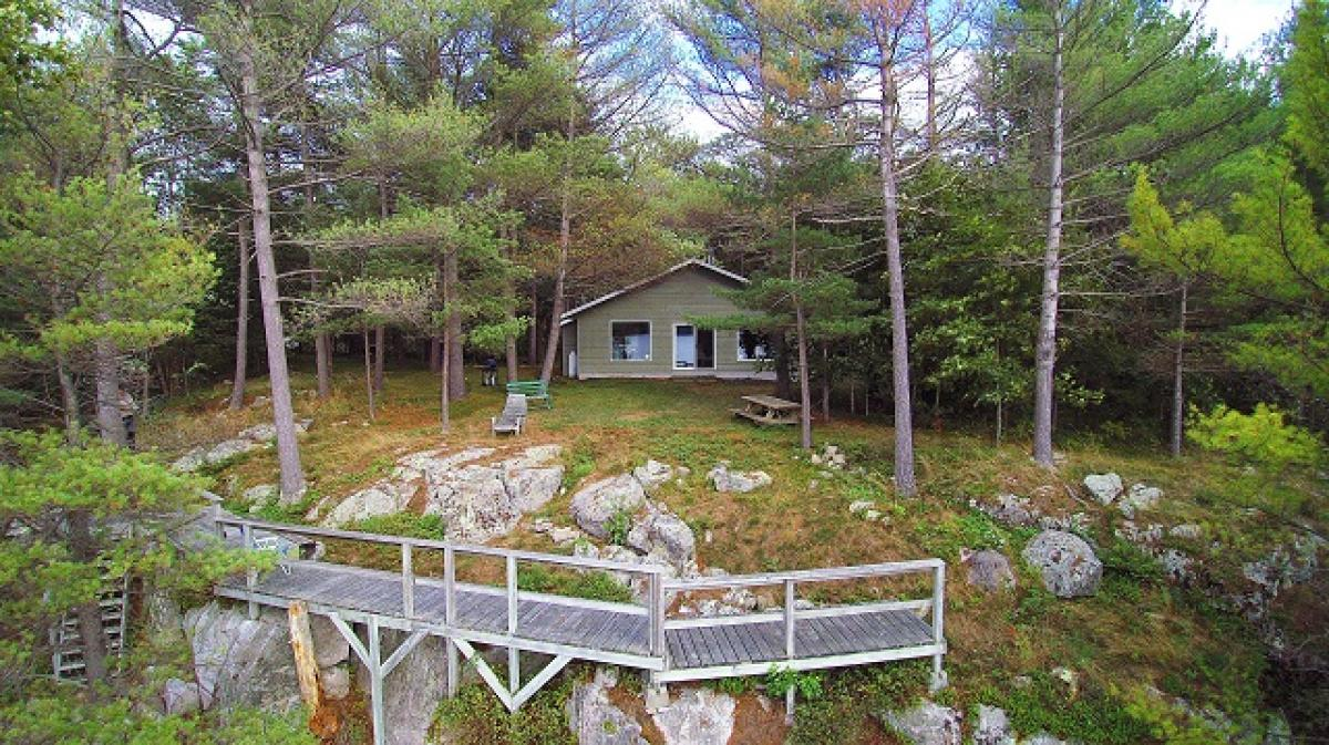 Picture of Bungalow For Sale in Battersea, Ontario, Canada