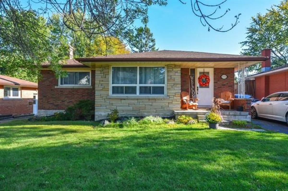 Picture of Bungalow For Sale in Guelph, Ontario, Canada