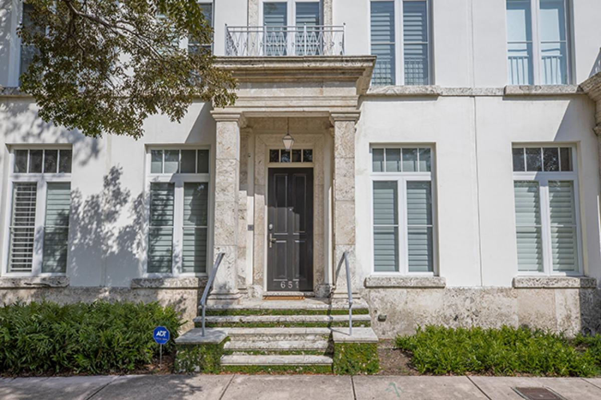 Picture of Townhome For Sale in Coral Gables, Florida, United States