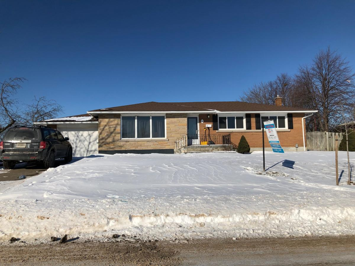 Picture of Bungalow For Sale in Thorold, Ontario, Canada