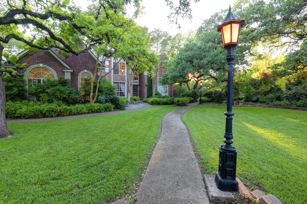 Picture of Home For Sale in Austin, Texas, United States