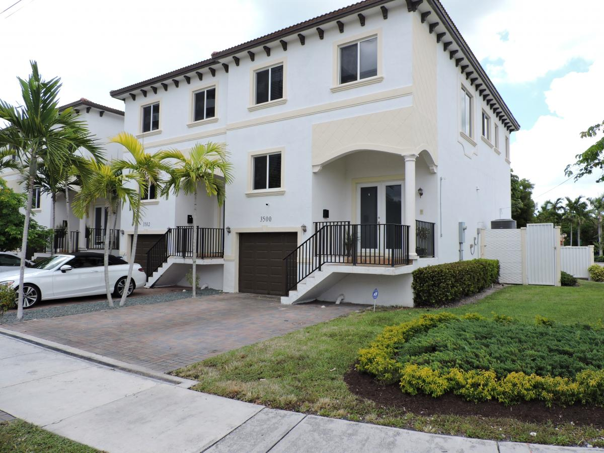 Picture of Home For Sale in Aventura, Florida, United States