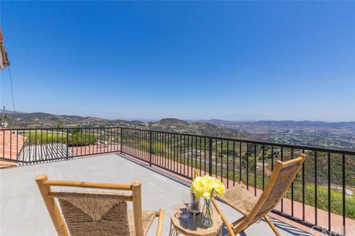 Picture of Home For Sale in Murrieta, California, United States