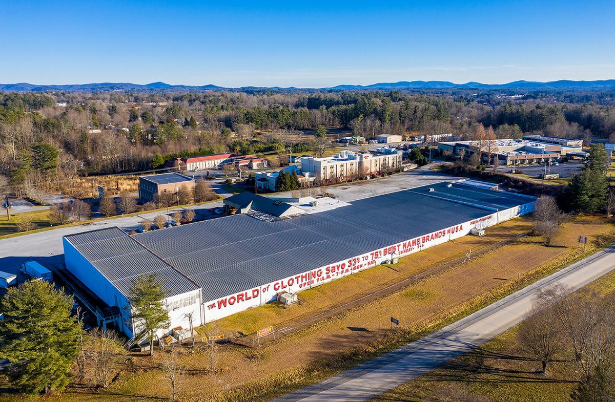 Picture of Retail For Sale in Hendersonville, North Carolina, United States