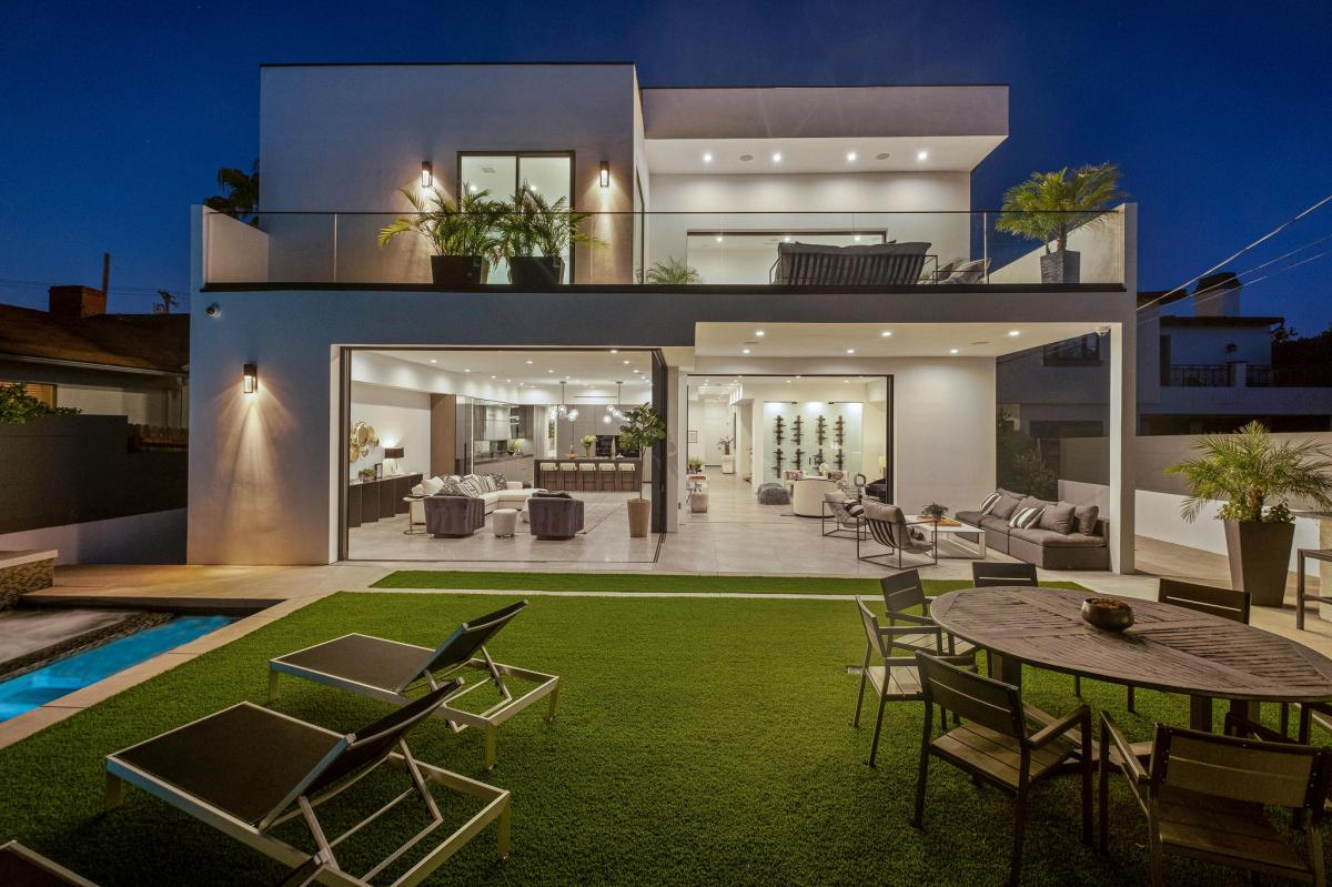 Picture of Mansion For Sale in Los Angeles, California, United States