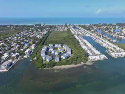 Property listed For Sale in Long Boat Key, Florida, United States